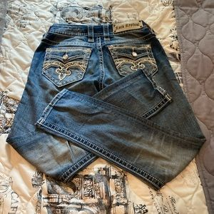 ⏰⏰Really cute size 24 Rock Revival Crop Jeans🌞🌞